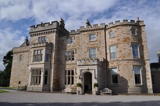 Crossbasket Castle wedding venue review
